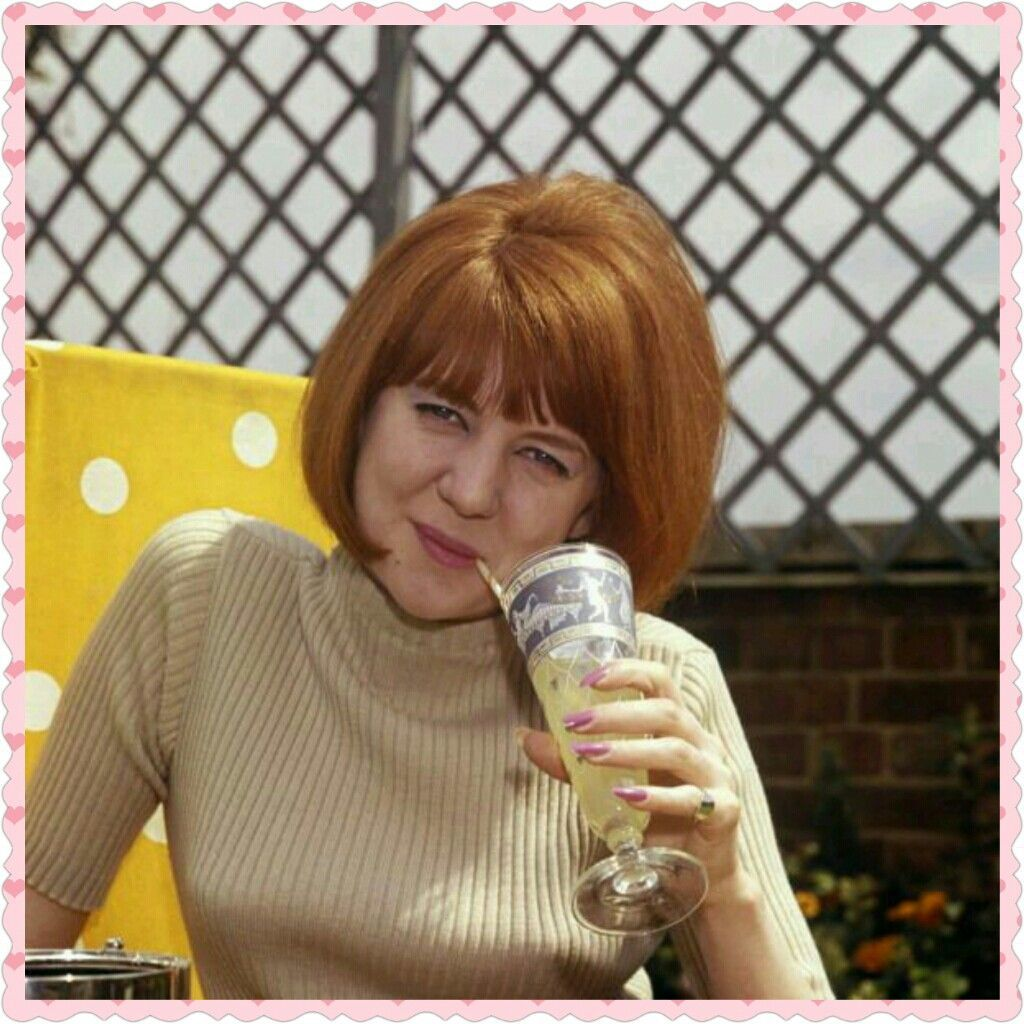 Click Image To View More About Cilla Black Short Hairstyle Cilla Black Short Hair Styles Short Black Hairstyles