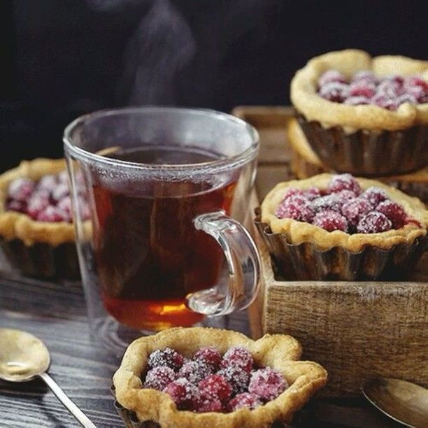 What I really want right now.. (not my pic) #steaming #steamy #hot #tea #foodpic #foods #foodporn #foodstagram #foodie #smoky #smoke #tarts #muffin #blueberry #berries #pie #video #videogram #gif #delicious #creative #hungry #zen #peaceful