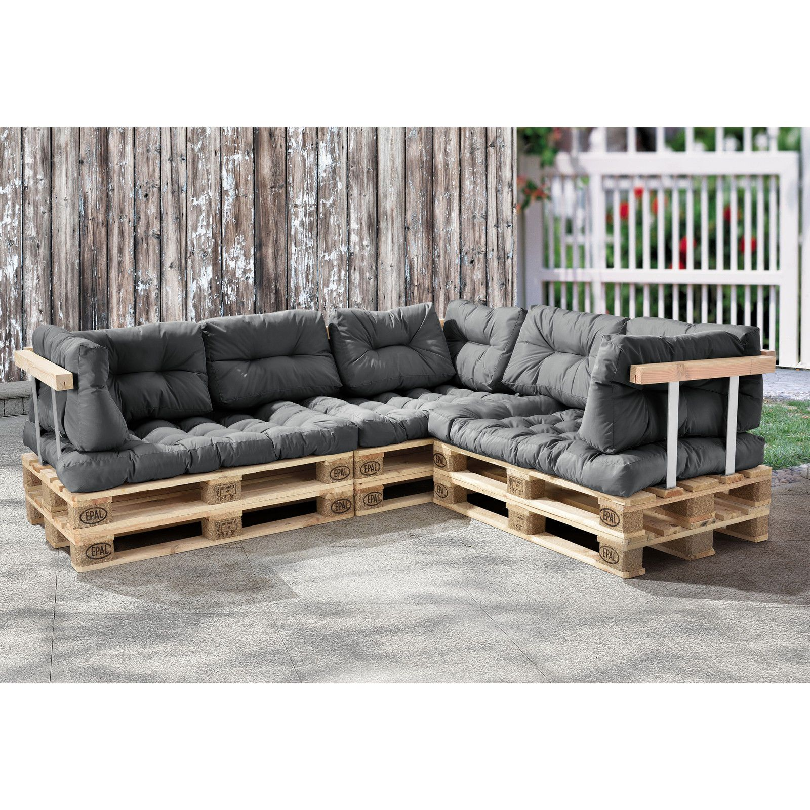 euro paletten sofa hellgrau ecksofa mit paletten polster kissen lehnen in garten. Black Bedroom Furniture Sets. Home Design Ideas