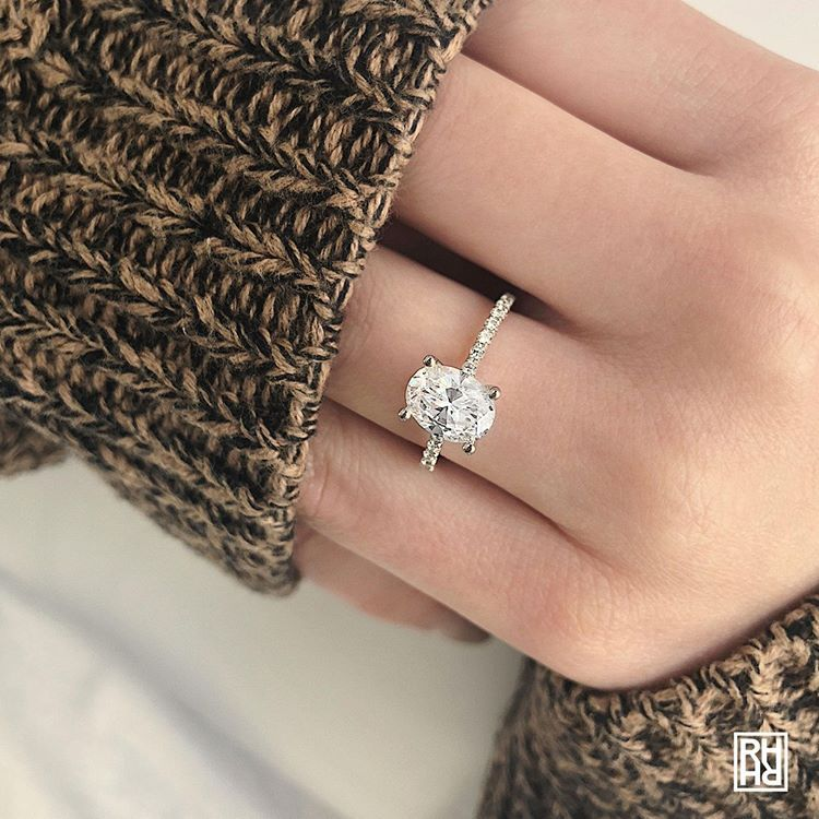 Classic Petite Split Prong Oval Diamond Engagement Ring In 14k White Gold 1 5 Ct Tw Oval Diamond Engagement Ring Oval Diamond Engagement Engagement Ring White Gold