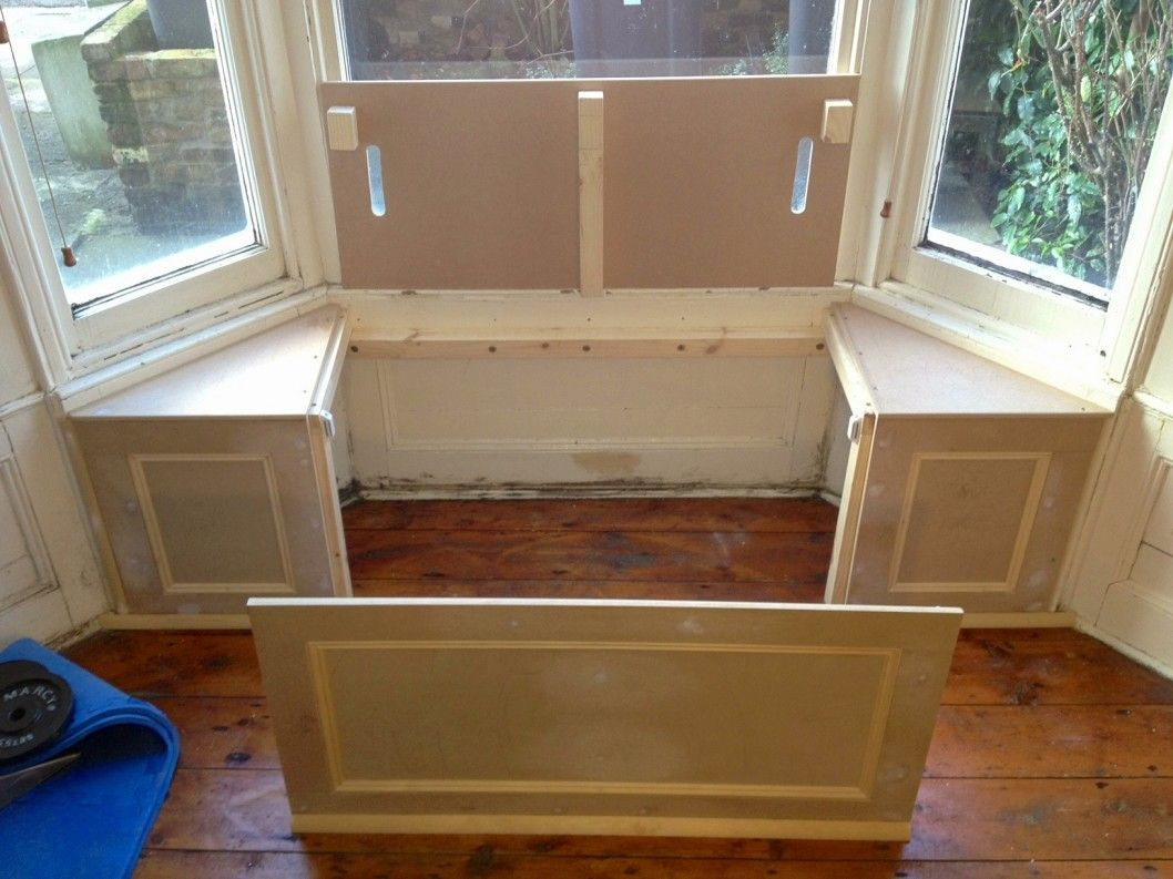 Decoration Bay Window Benches With Storage And Locker Room In