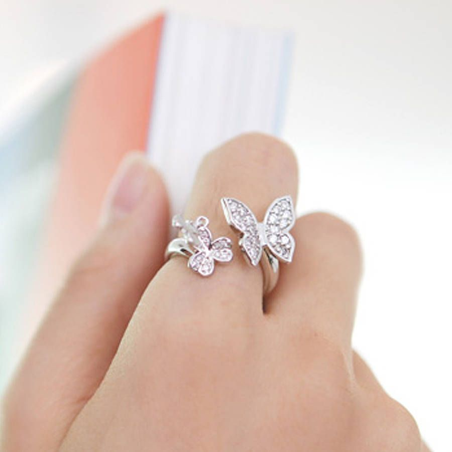 9 gorgeous butterfly wedding rings photos421 - Butterfly Wedding Rings