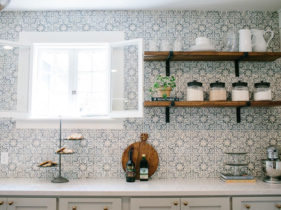 Loved This Hand Painted Backsplash In This Fixerupper The