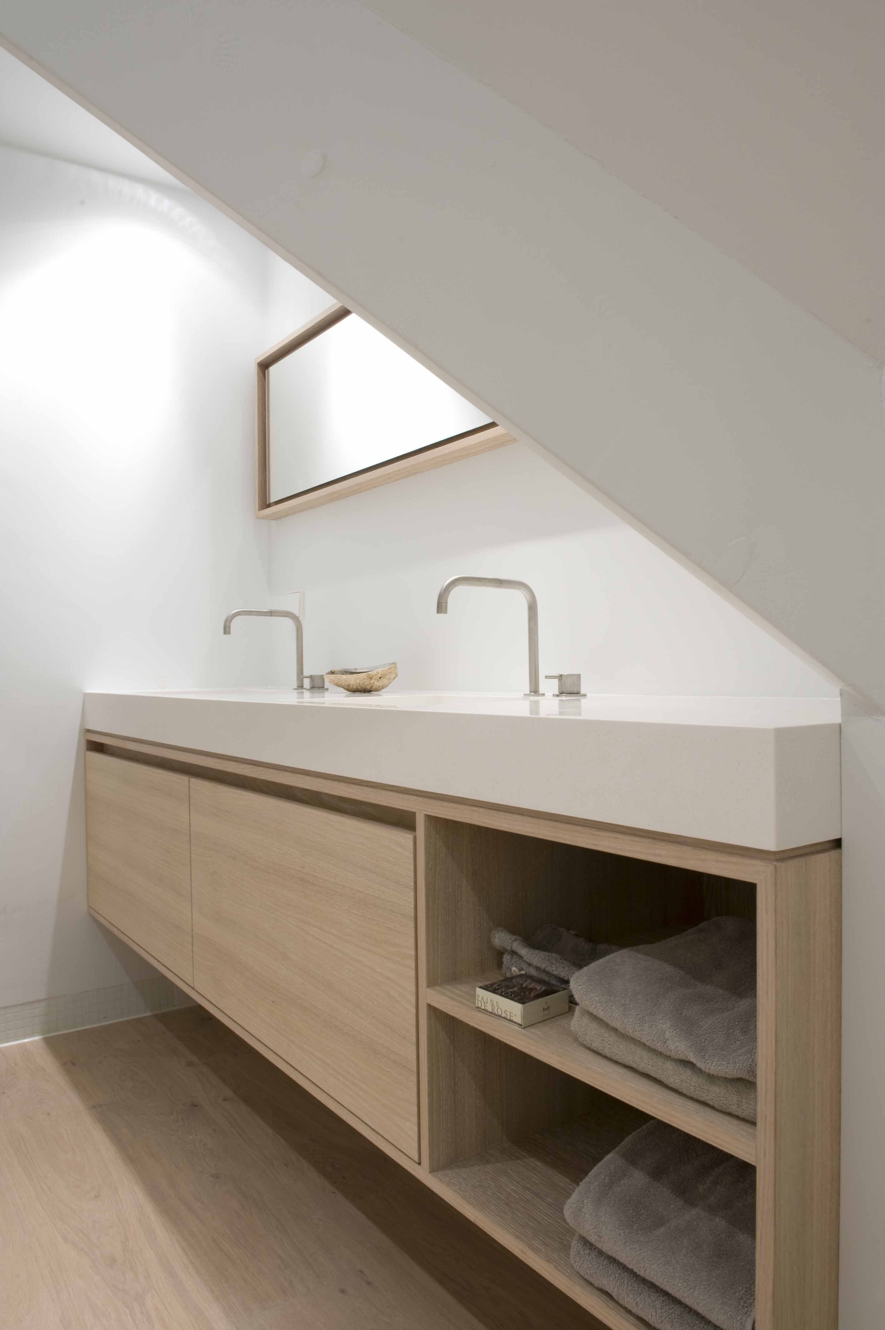 contemporary bathroom vanity double basin in white and pale blonde wood