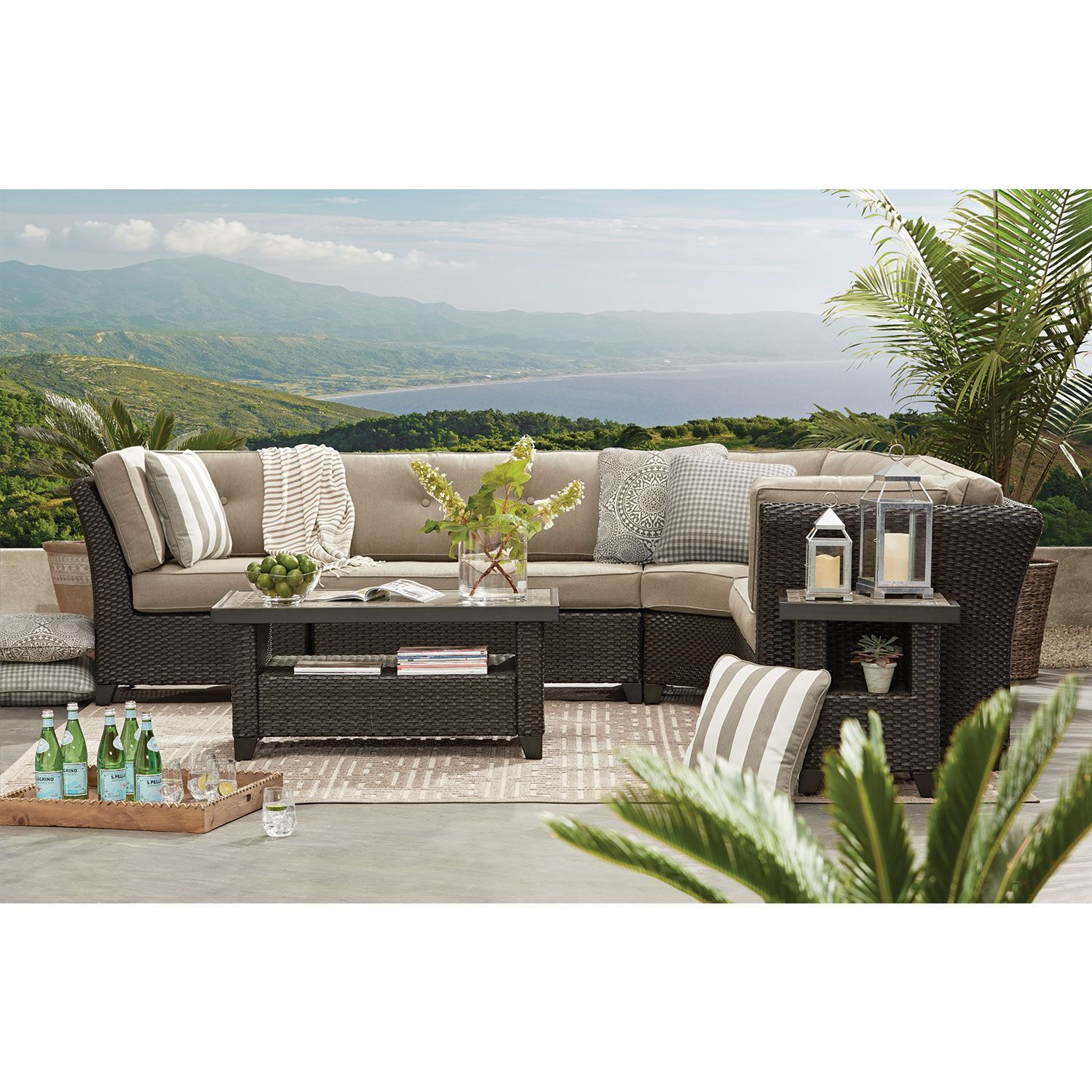 Best Member S Mark Agio Heritage 6 Piece Sectional With 640 x 480