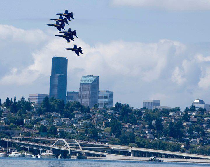 ( The Seafair Boeing Air Show - Blue Angels 2015 )