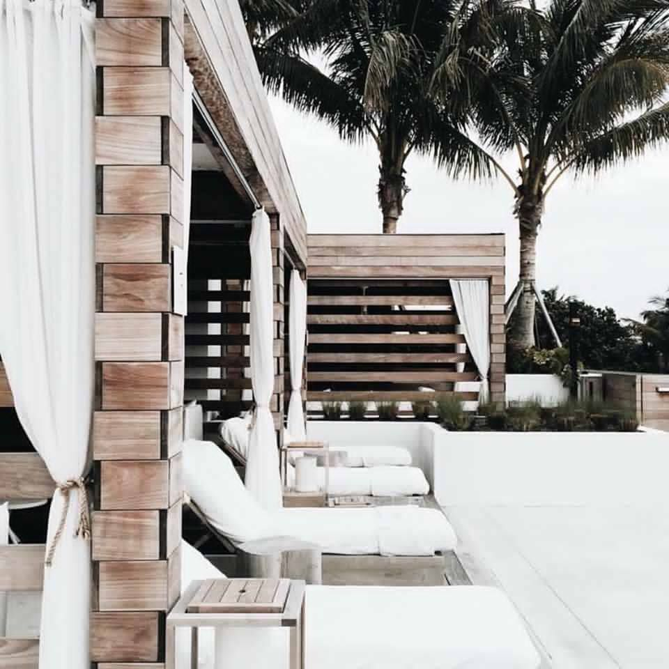 Dreaming of day beds // via Sincerely Jules