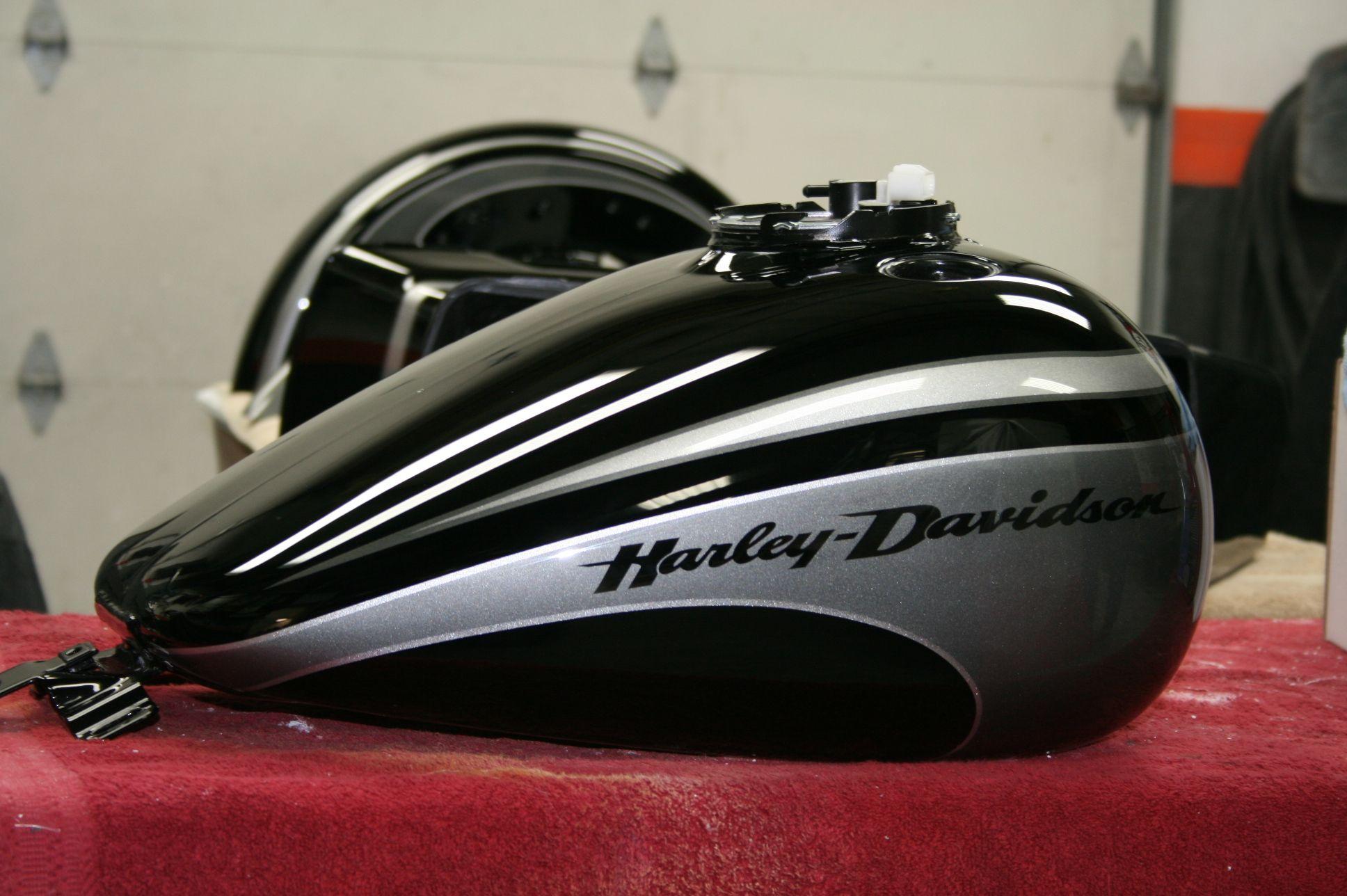 Custom Harley Paint Jobs | Home PAIRADICE CYCLES PAINT HARLEY BAGGER WHEELS ENGINE MODS AIR RIDE ...