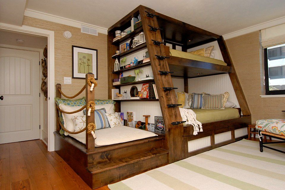 Bunk beds with sweeeeet reading area.