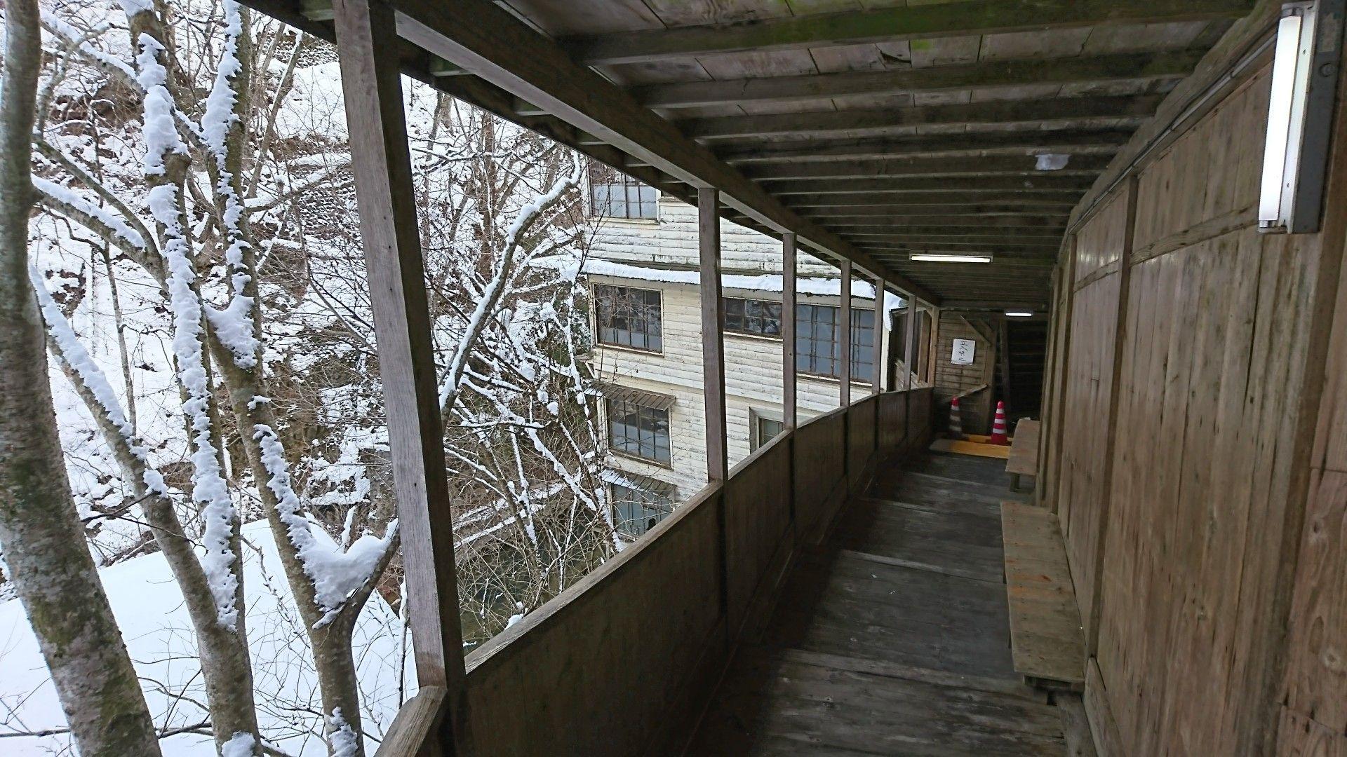 明賀屋本館 天国への階段 冬 天国への階段 階段 温泉