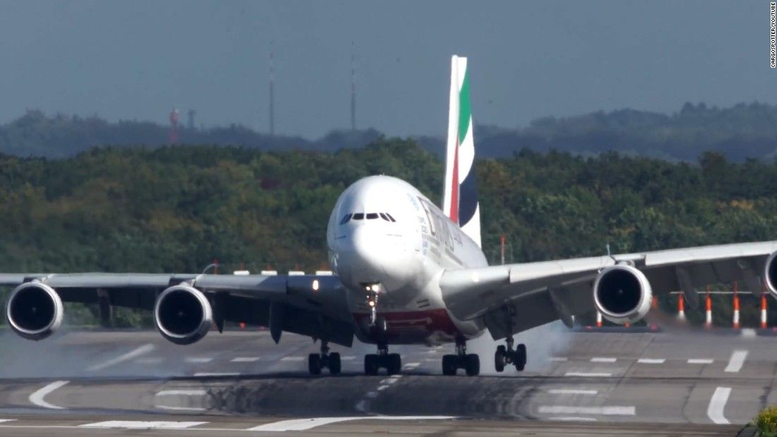 An Airbus A380 battled a strong crosswind while landing at