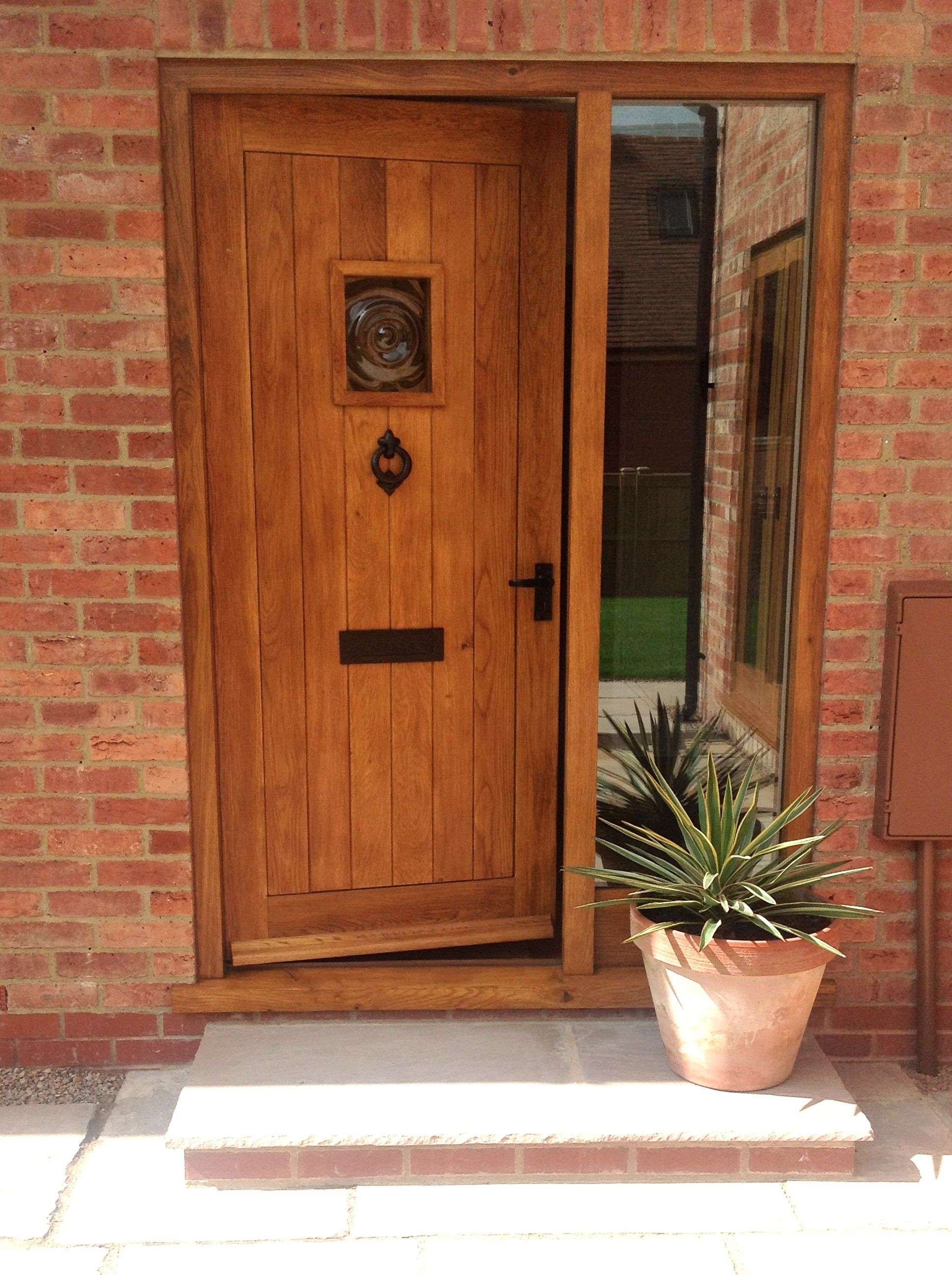 External traditional solid oak door solid oak doors oak for Traditional front doors