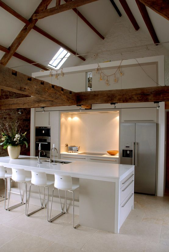 Country style kitchen by Hall + Bednarczyk Architects. https://www.homify.co.uk/ideabooks/33577/revival-of-a-16th-century-farmhouse