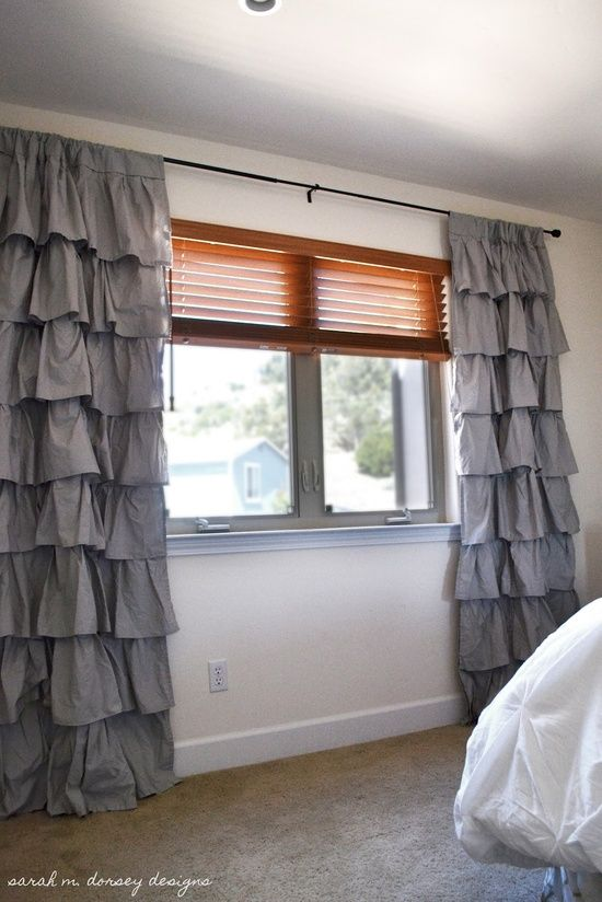 How to's : DIY ruffle curtain. You don't have to be good at sewing!!