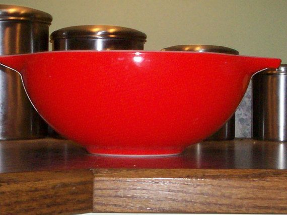 Pyrex 444 4 Quart Friendship Red Mixing Bowl by thetrendykitchen ...