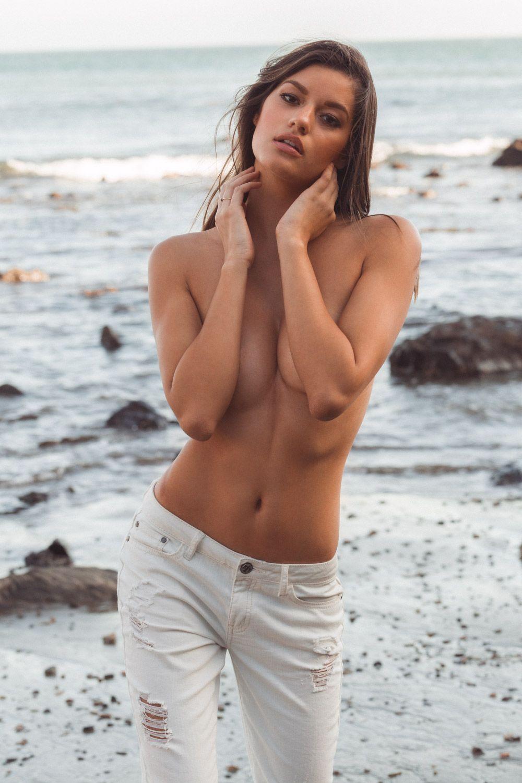 Vanessa hanson nude can