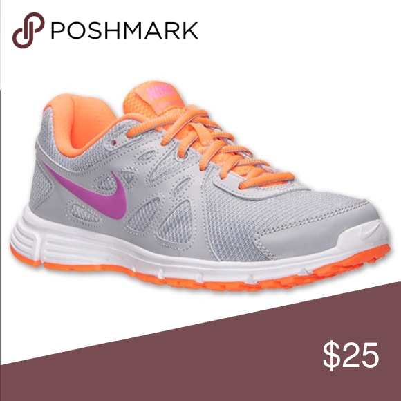 Woman s Nike Revolution 2 size 7 EWC woman s Nike Revolution 2 Nike Shoes  Sneakers b41909221c