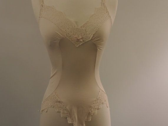 Vintage Olga Teddie Camisole Body Suit 1980's Lace Lingerie Size Small Creamy Beige