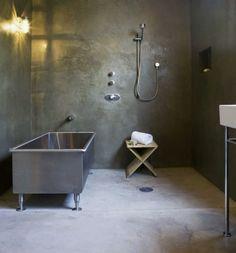 Badezimmer Ohne Fliesen Beton Optik Wand Badewanne Metall Modern