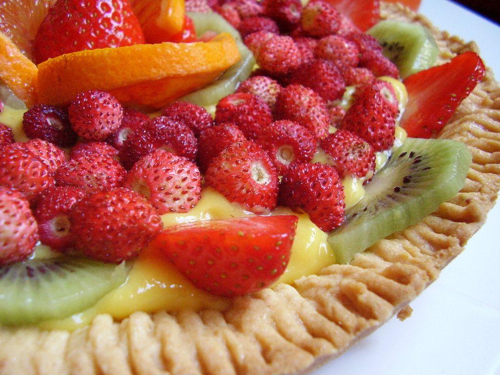 crostata di frutta fresca con crema alla vaniglia