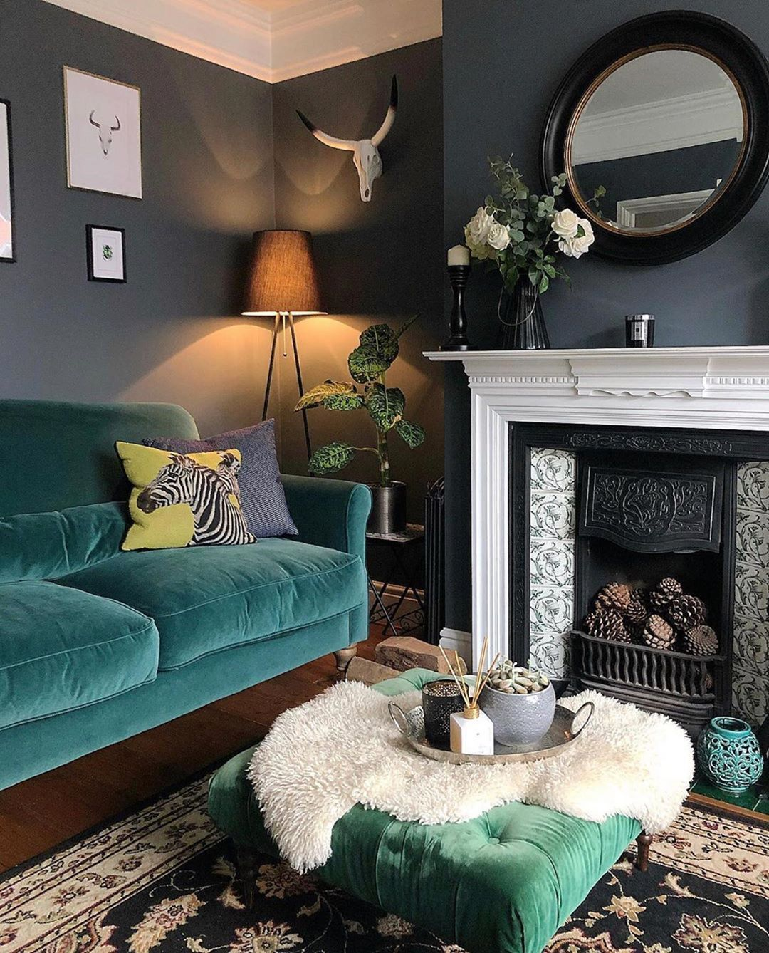 Stacey Dyer On Instagram Good Morning It S An Old Picture This Morning As The Living Room In 2020 Victorian Living Room Living Room Wall Color Apartment Living Room