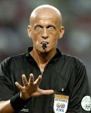 Glatzkopf Schiedsrichter