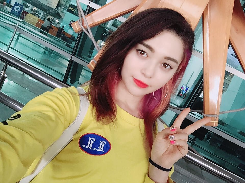 AleXa on Instagram: flying back to korea~ 🇰🇷 ️🇮🇳 thank