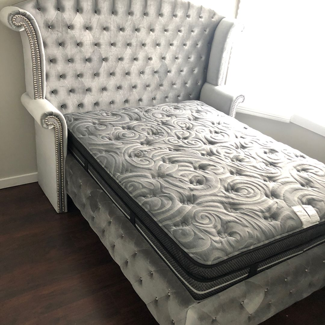 Shylyn Queen/Full Upolstered Panel Headboard by Ashley