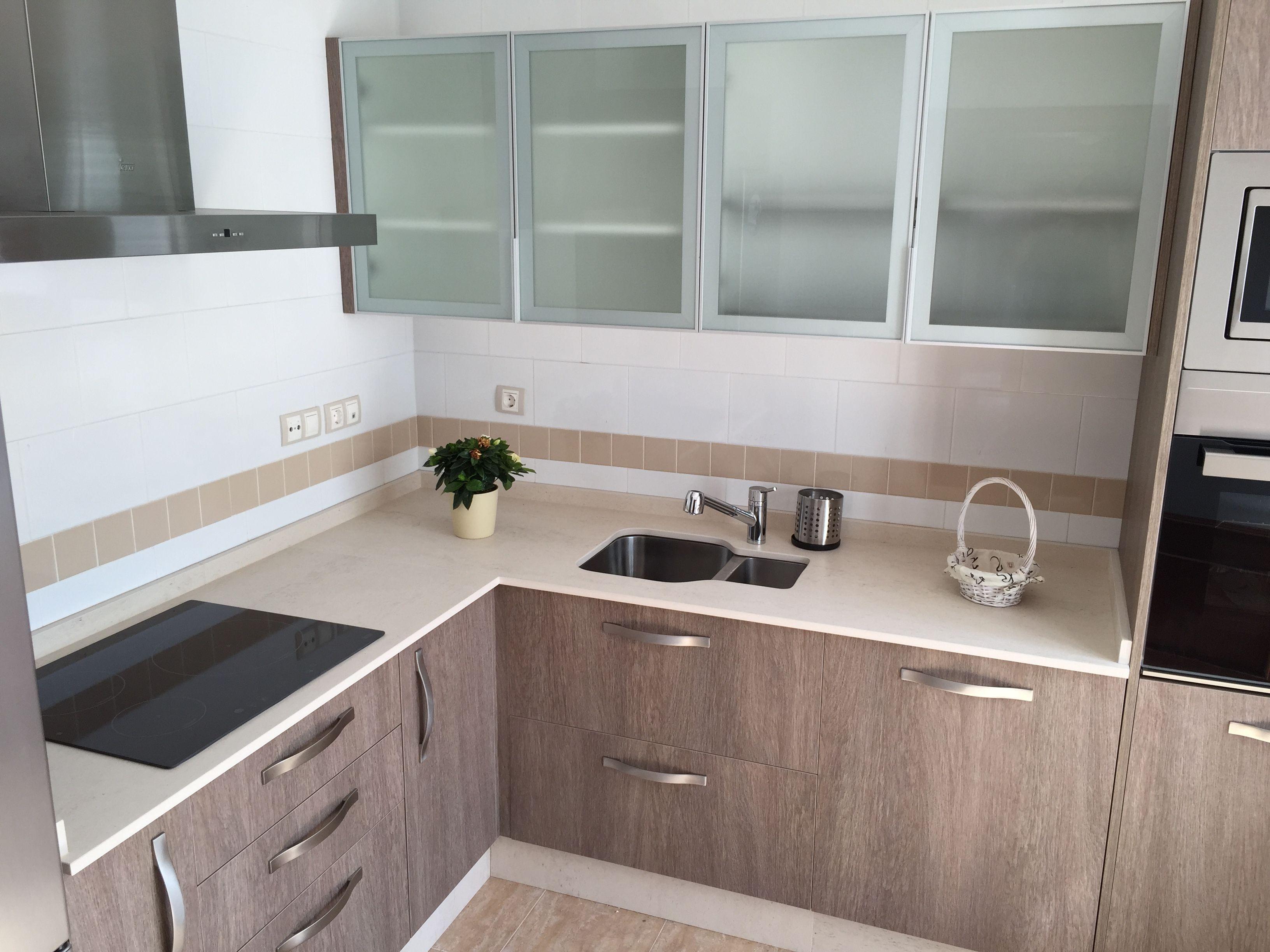 Cocina de muebles laminados y encimera dekton fabricaci n - Muebles laminados ...