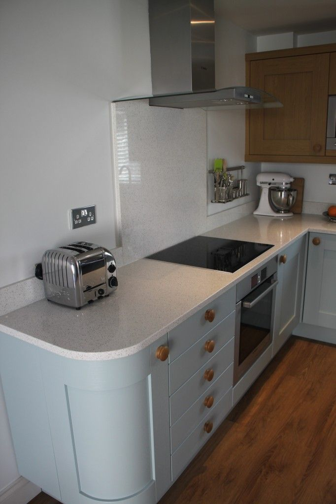 Compact small odd shape rooms can be beautiful kitchens for Kitchen designs for odd shaped rooms