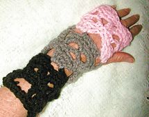 Ravelry: Creepy Skull Gauntlet Fingerless Gloves Worsted Weight pattern by Spider Mambo