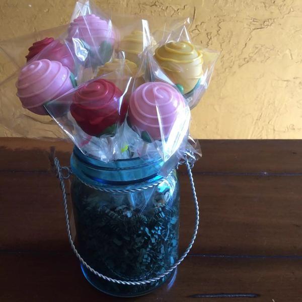 Roses Cake Pop Bouquet #cakepopbouquet