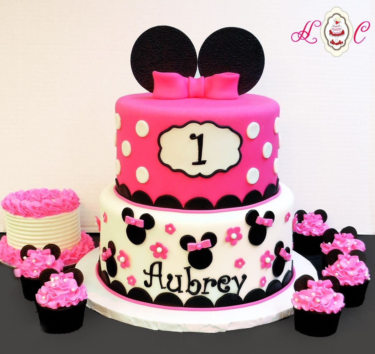 Pleasant Minnie Mouse First Birthday Cake In Hot Pink Black With Matching Funny Birthday Cards Online Ioscodamsfinfo