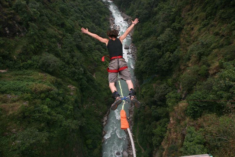 30 Of The World S Burliest Bungee Jumps Pics Bungee Jumping Adventure Activities Extreme Adventure
