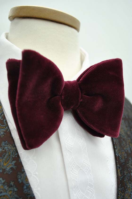 Details about  /Handmade Mens Bow Tie Vintage Style 70/'s Oversized Black Floral Tied Butterfly