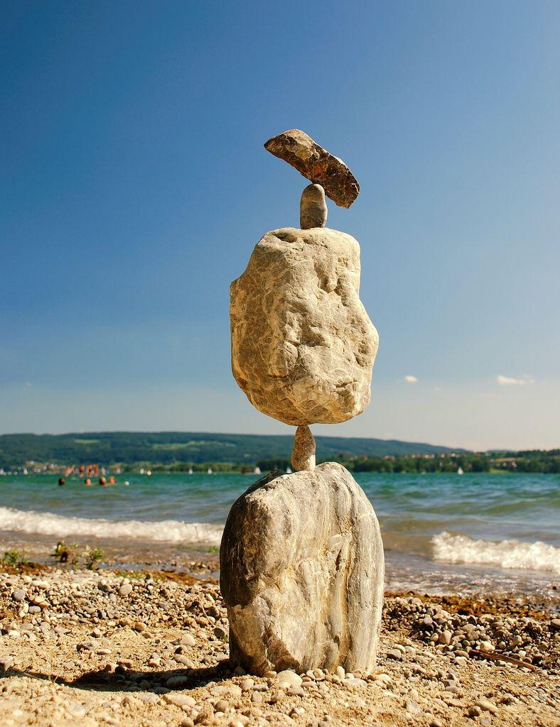 https://flic.kr/p/55Es8j | Balancing-Stones | Das war bis jetzt der schönste Tag am Bodensee und war richtig motiviert um diese Steinskulpturen zu bauen ! Konstruiert und fotografiert am 15.07.08 im Radolfzeller Strandbad !