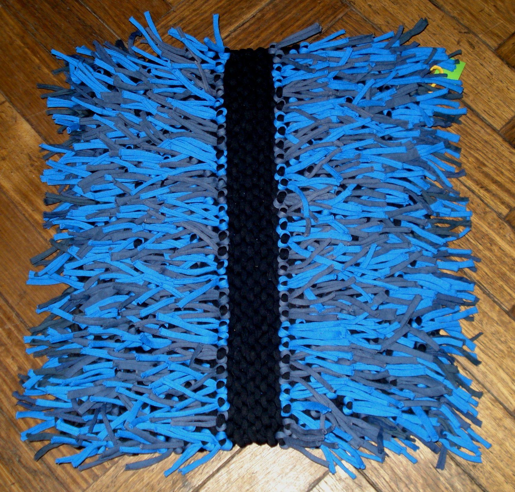 Alfombra rect ngular tejido a dos agujas y cubierta de for Tejidos de alfombras