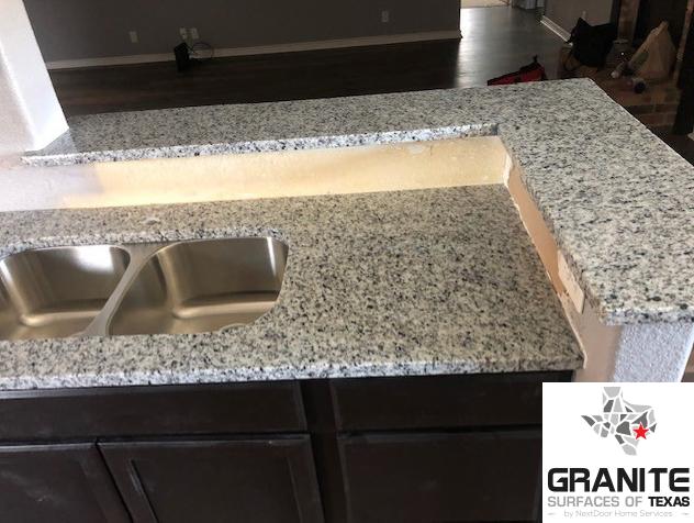 Roaming Mist Aka Bengal White White Granite Countertops Granite Stone Countertops White Granite