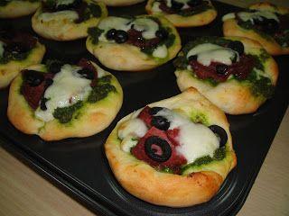 Maryam's Culinary Wonders: 113. Mini Deep-Dish Pizza