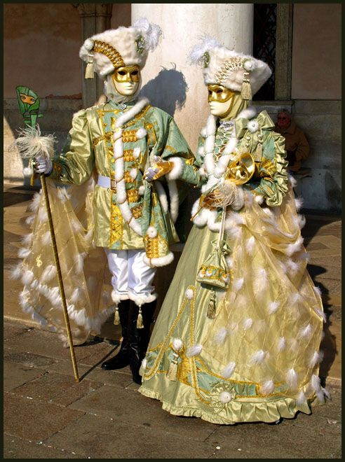 3521b5b81bbd Venice - Dressed in Gold by AgiVega on deviantART Carnival Date, Venice  Carnival Costumes,