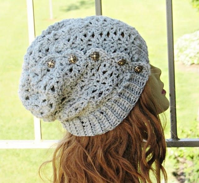 Ponytail or Messy Bun Hat Crochet Pattern, Free Crochet Pattern, Addison Messy Bun Hat #messybunhat