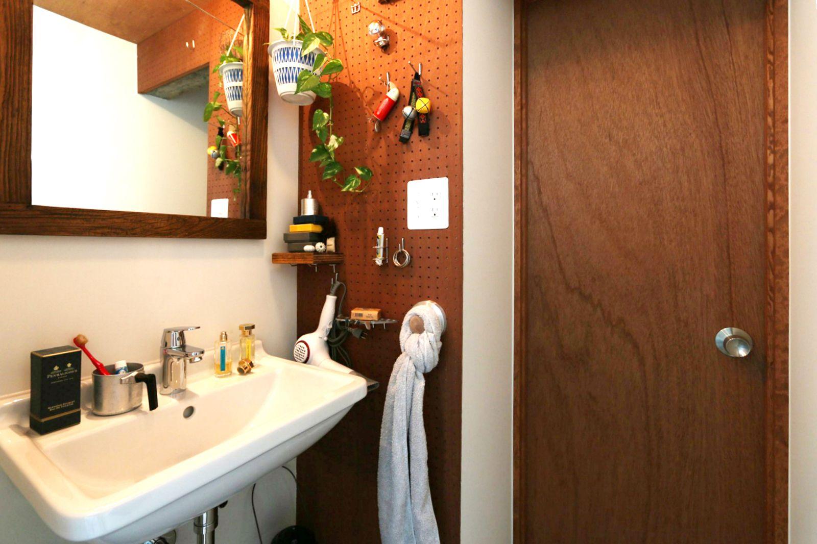 タオルバーにブラック丸パイプが仕様追加されました 洗面器 造作