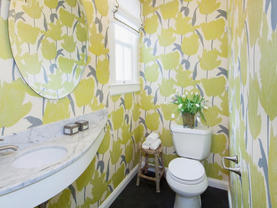 Lavabo com papel de parede. Esse escolhido é um pouco chamativo demais, prefiro um mais discreto. mas a ideia é essa. Rooms Viewer   HGTV