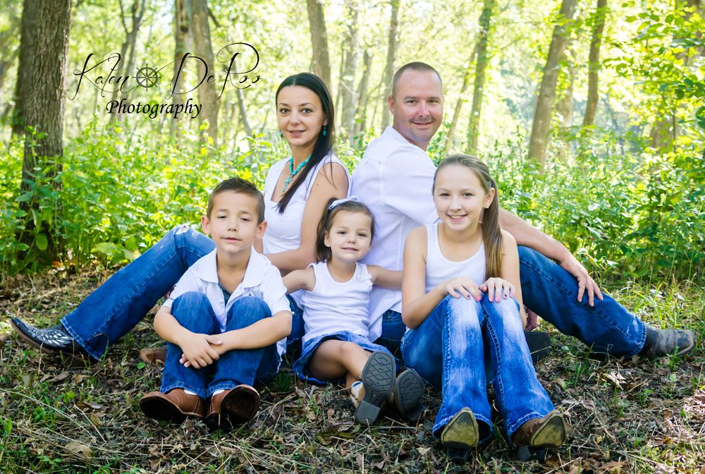 Kalen DeRoo Photography - www.facebook.com/... - Serving North Dallas - DFW area - Family photo - Family Session in McKinney, TX - #DFW #Photography #Family #PhotoSession - McKinney, TX in Towne Lake Park in Texas