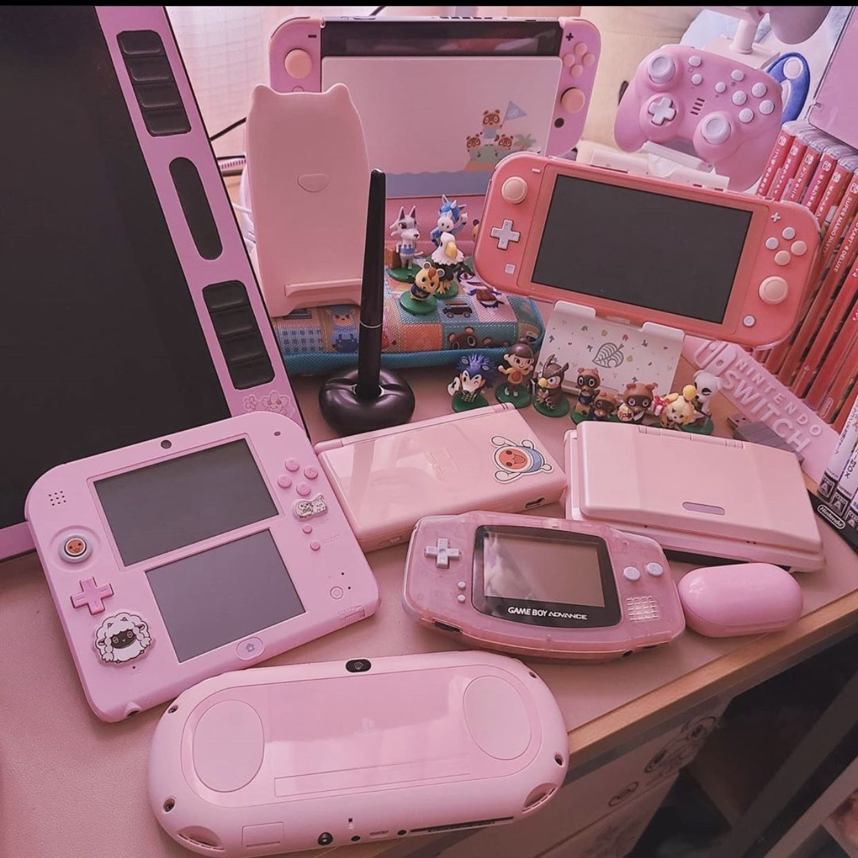 Pin By Theresa On Pretty In Pink Game Room Design Video Game Room Design Kawaii Room