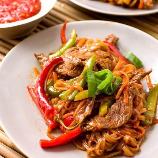beef szechuan noodles  beef and noodles asian recipes