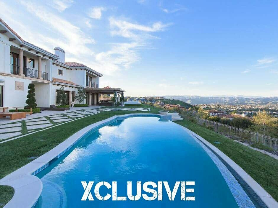 Gorgeous luxury home with breath taking views located in Calabasas, CA. Thinking of buying a Luxury Estate lets go on private showings and take a look at homes not listed in the market. M (818)620-2244  #luxuryhomes #luxuryrealestate #realtor #calabasas #loverealestate #calabasashomes #calabasasrealtor #buyersagent #sellersagent #milliondollarlisting #sfvrealestate #sfv #sfvrealestate #Kardashians #Xclusive #ronensaruri #pocketlisting