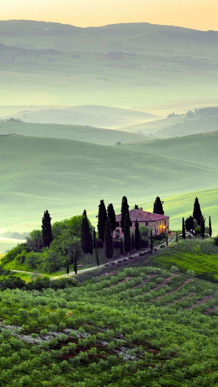 Photo of Tuscany Italy Landscape 4K Ultra HD Mobile Wallpaper