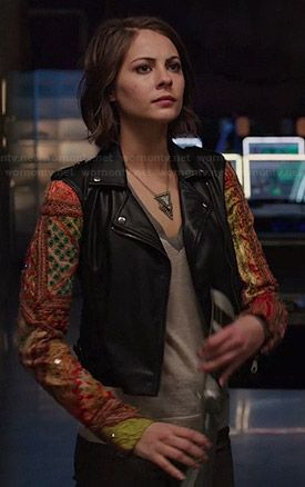 Thea's leather jacket with patchwork sleeves on Arrow. Outfit Details: http://wornontv.net/46149/ #Arrow