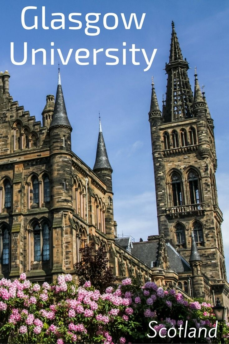 The Glasgow University Scotland - a landmark of Glasgow with the tall tower, the cloisters and the impressive Gothic Architecture. No need to enroll, you can just visit! Many photos in the article